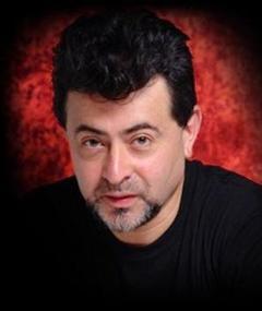 Photo of Eduardo Cáceres