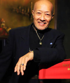Photo of Aki Aleong