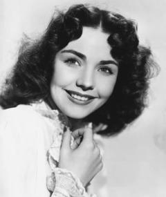 Photo of Jennifer Jones