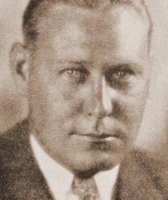 Photo of Gordon Jennings