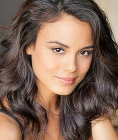 Photo of Nathalie Kelley