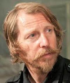 Photo of Lew Temple