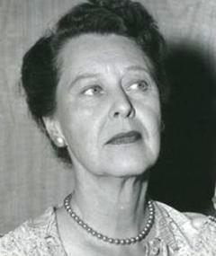 Photo of Louise Lorimer