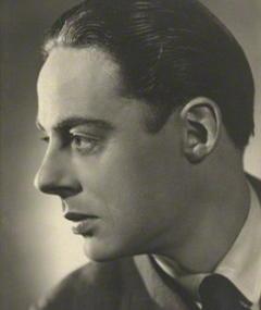 Photo of Alec Clunes