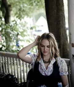Photo of Jess Weixler
