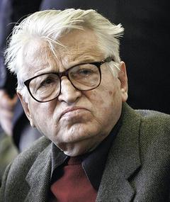 Dobrica Ćosić adlı kişinin fotoğrafı