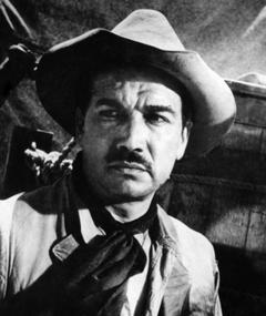 Víctor Manuel Mendoza adlı kişinin fotoğrafı