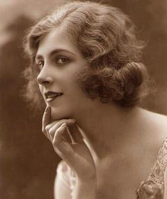 Gambar Jeanne Helbling