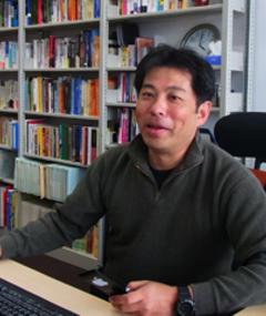 Photo of Akira Takada