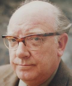 Photo of Arthur Lowe