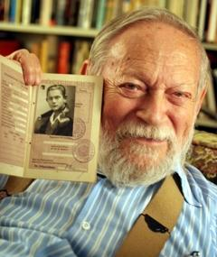 Photo of Amos Vogel