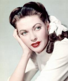 Photo of Yvonne de Carlo