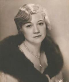 Photo of Queenie Smith