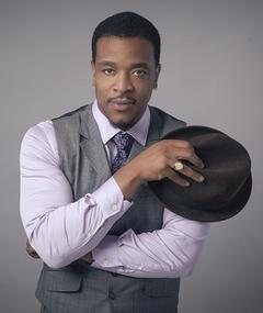 Poza lui Russell Hornsby
