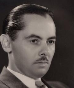 Elmer Raguse adlı kişinin fotoğrafı