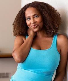 Photo of Lisa Nicole Carson