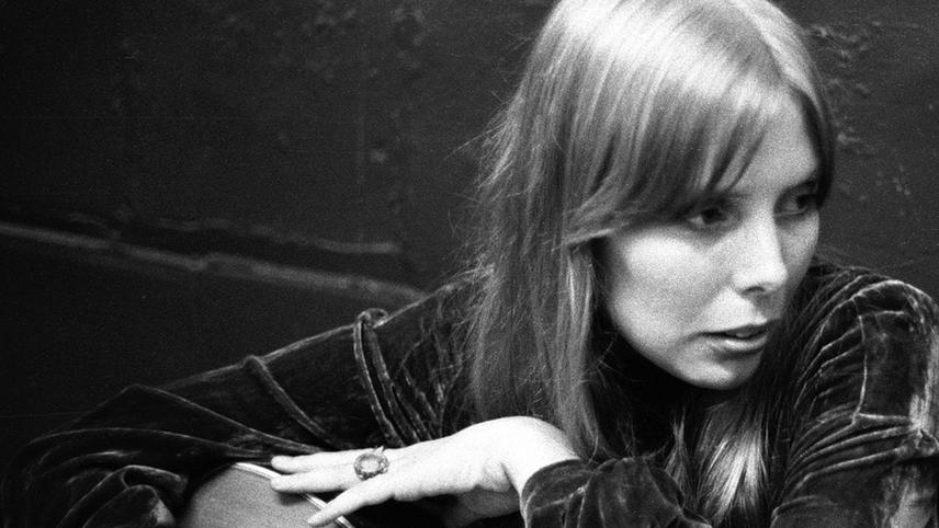 Joni Mitchell: A Woman of Heart and Mind