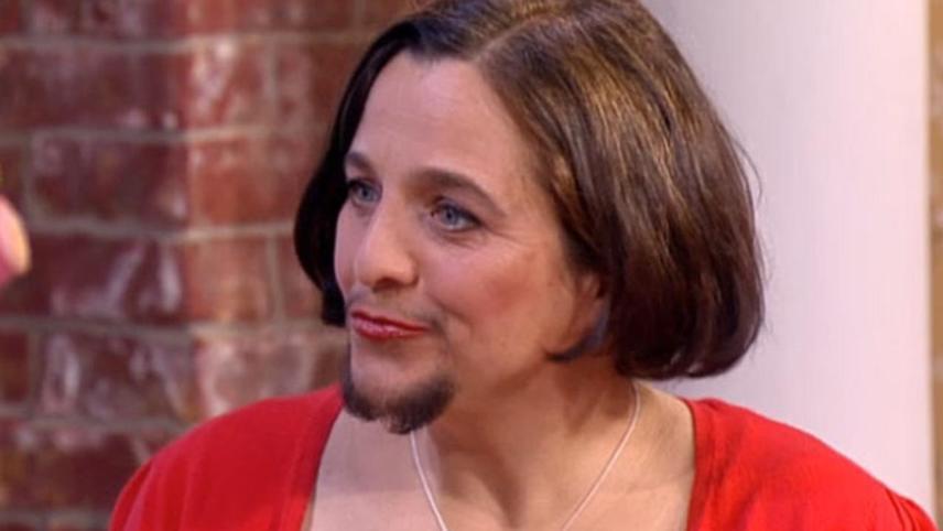 On a violé la femme à barbe!