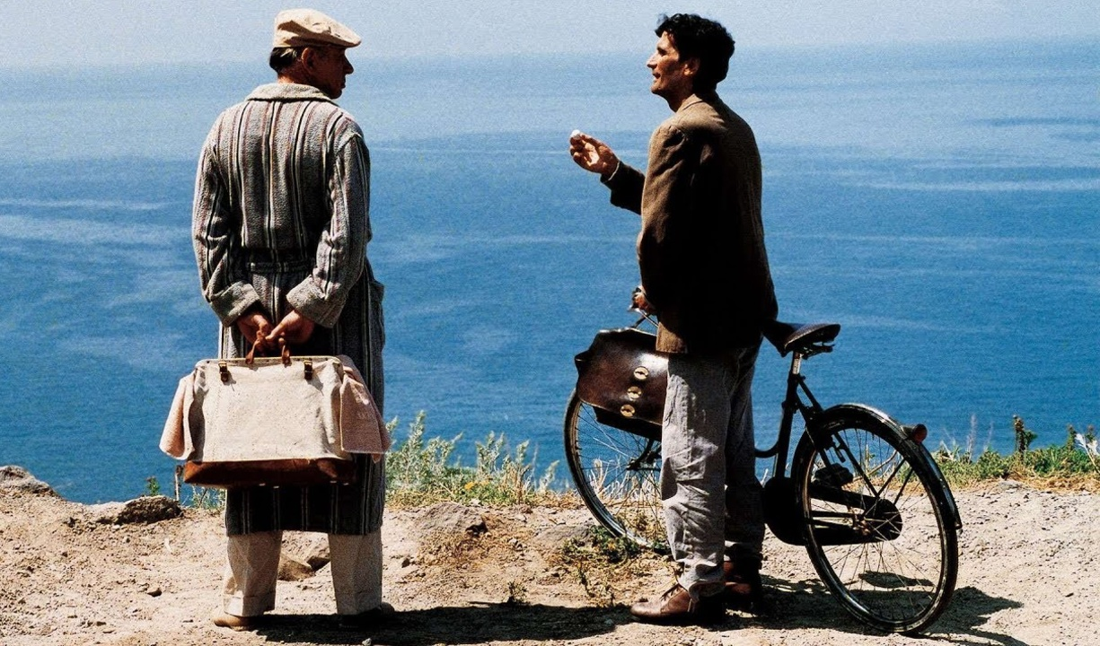 an analysis of il postino a movie on don pablo neruda Il postino (1994) 1/3 full movie, eng to love poetry while delivering mail to a famous chilean poet pablo neruda il postino (1994) 3/3 full movie, eng.