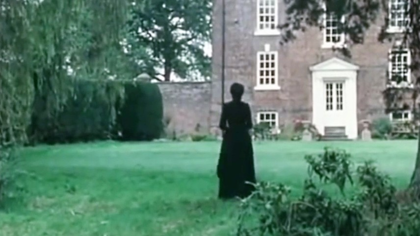 Shades of Darkness: The Lady's Maid's Bell