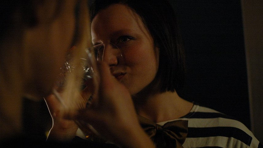 Chloe Likes Olivia