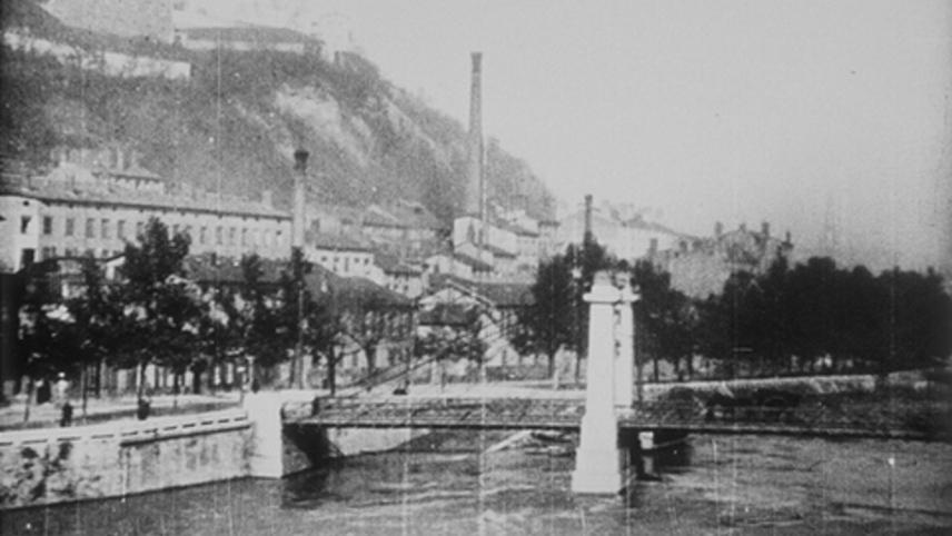 Panorama de l'arrivée en gare de Perrache pris du train