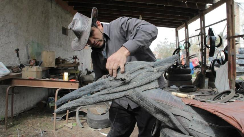 The Tire Sculptor
