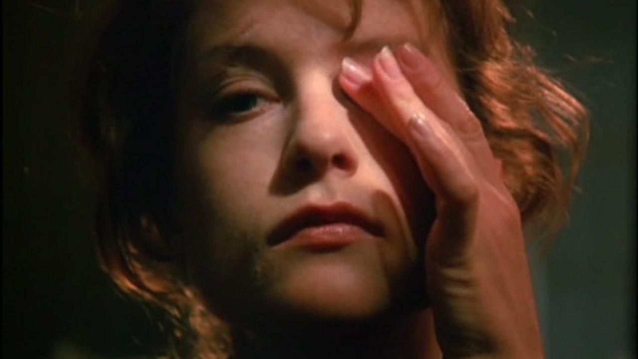 Debbie Gravitte
