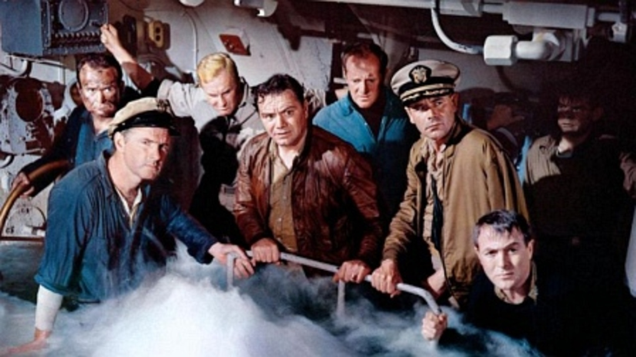War Movie : Torpedo Run (1958)